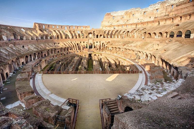 Arena dos Gladiadores no Coliseu de Roma