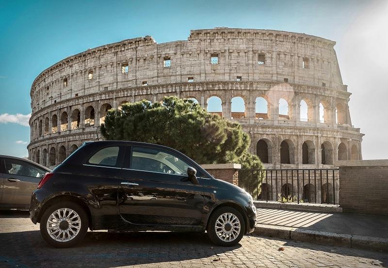 Carro em Roma