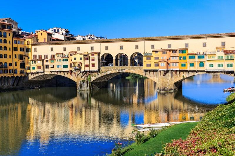 Ponte Vecchio em Florença durante o dia