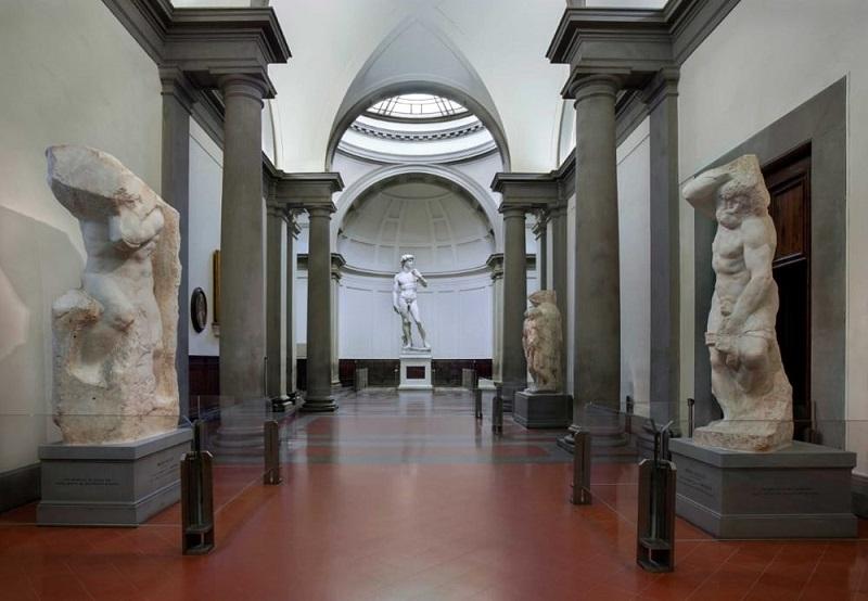 Escultura David na Galleria Accademia em Florença