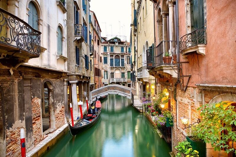 Gôndola e os canais de Veneza