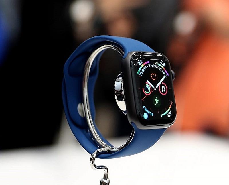Apple Watch exposto em loja