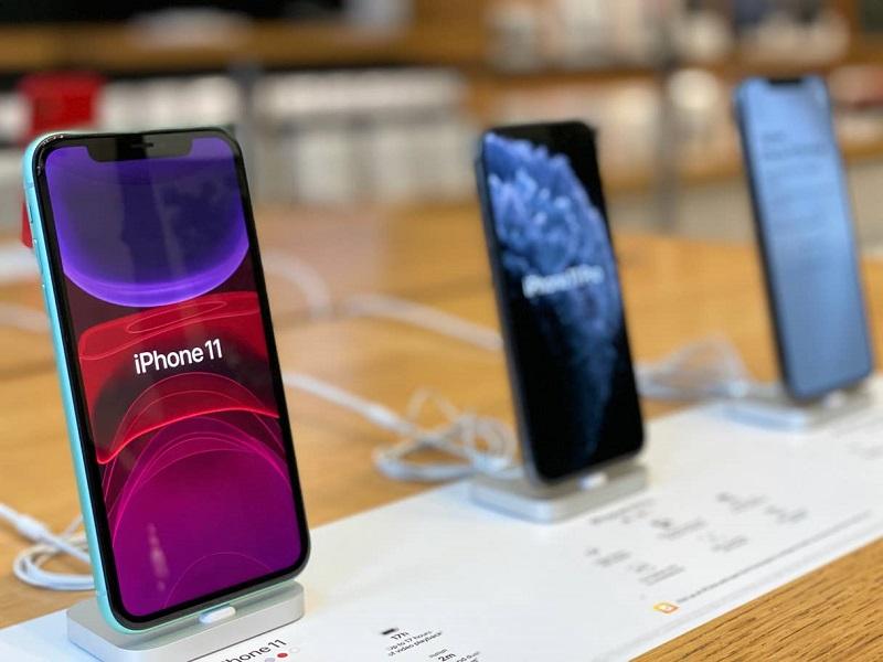 iPhone 11 para venda na loja