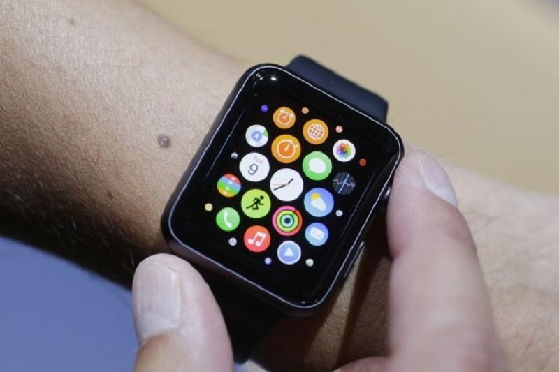 Pessoa usando Apple Watch