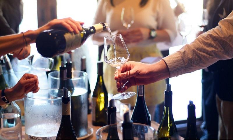 Bar de vinhos em Milão