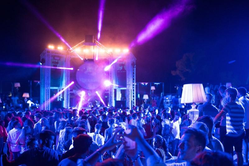 Balada Ambra Night em Sardenha