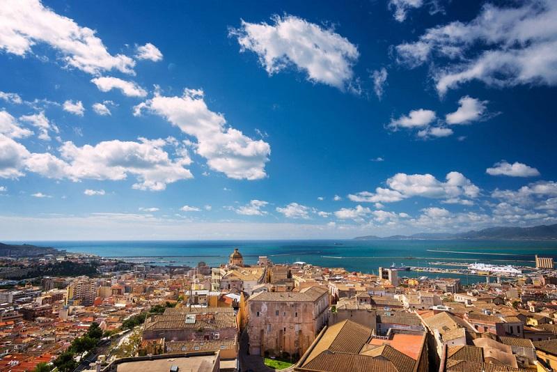 Cidade de Cagliari em Sardenha