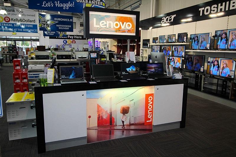 Espaço da Lenovo em loja da Euronics