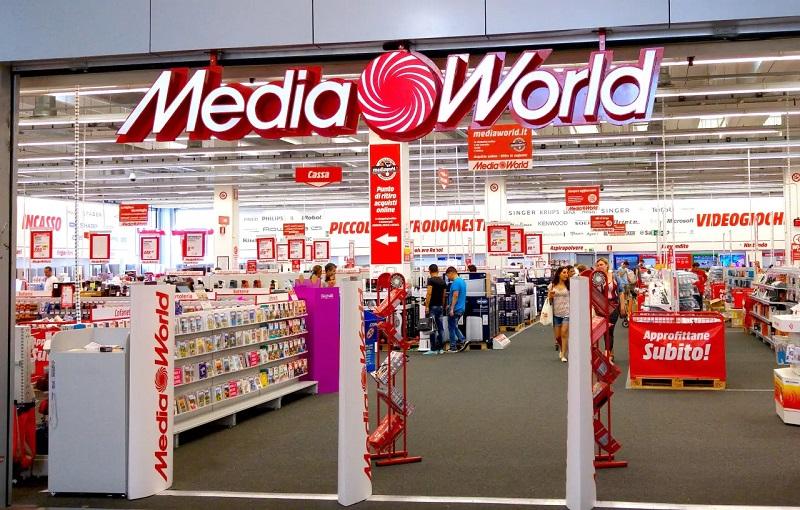 Lojas MediaWorld em Milão
