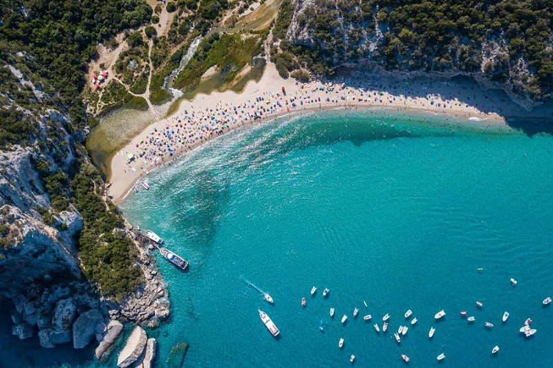 Praia de Sardenha vista de cima