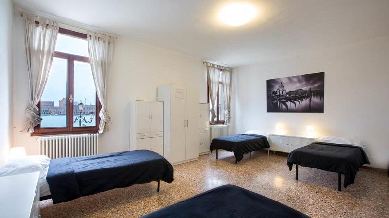 Quarto do Hostel Silk Road em Veneza