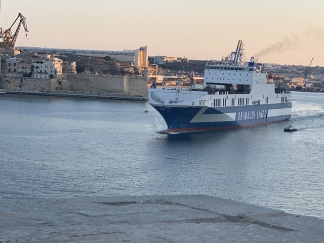 Como ir da Itália para Espanha de ferry