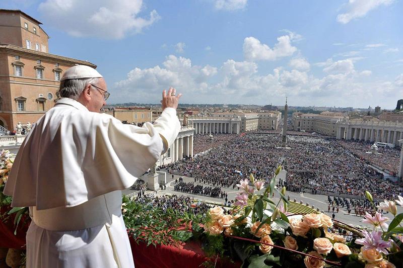 Celebração do Angelus no Vaticano