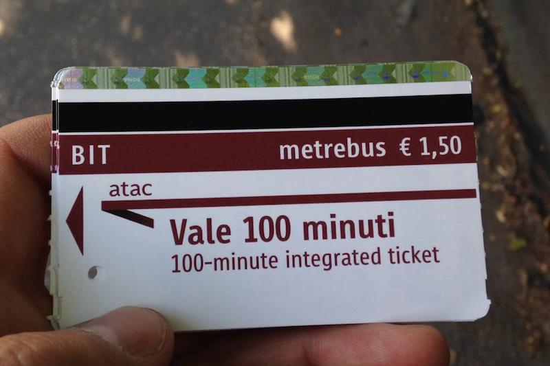 Ticket de metrô em Roma